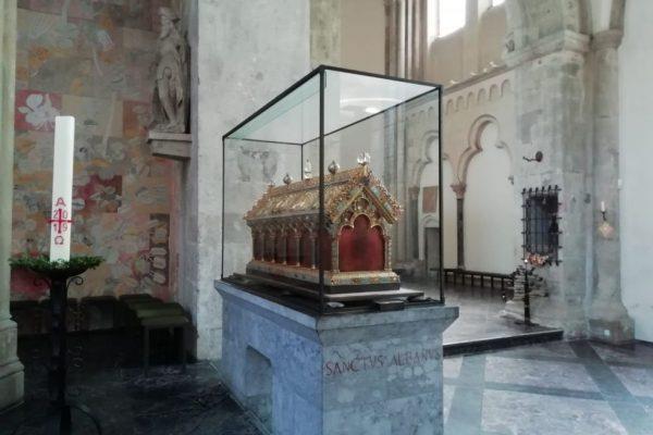 St. Pantaleon – Bestandsuntersuchung der Schreine